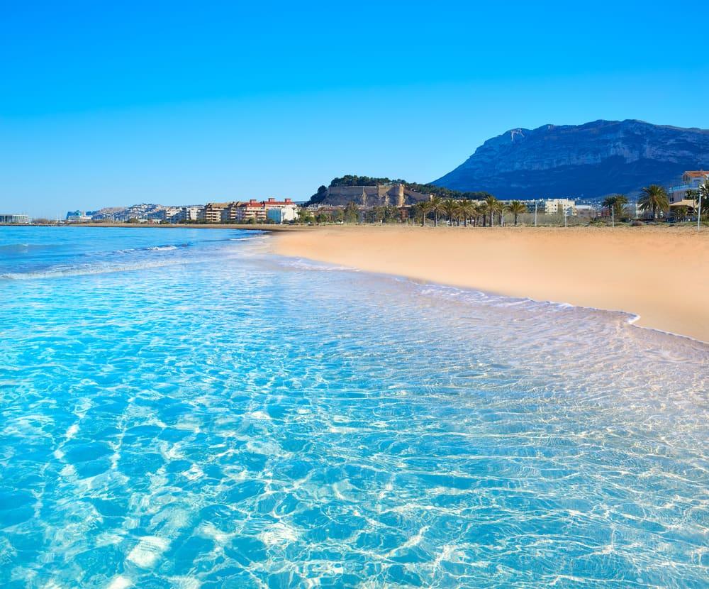 Denia stranden - Alicante i Spanien