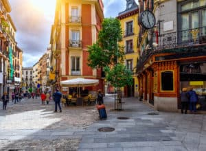 Billige flybilletter til Madrid i december 2018