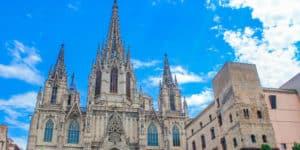Indgangspartiet til Sagrada Familia i Barcelona