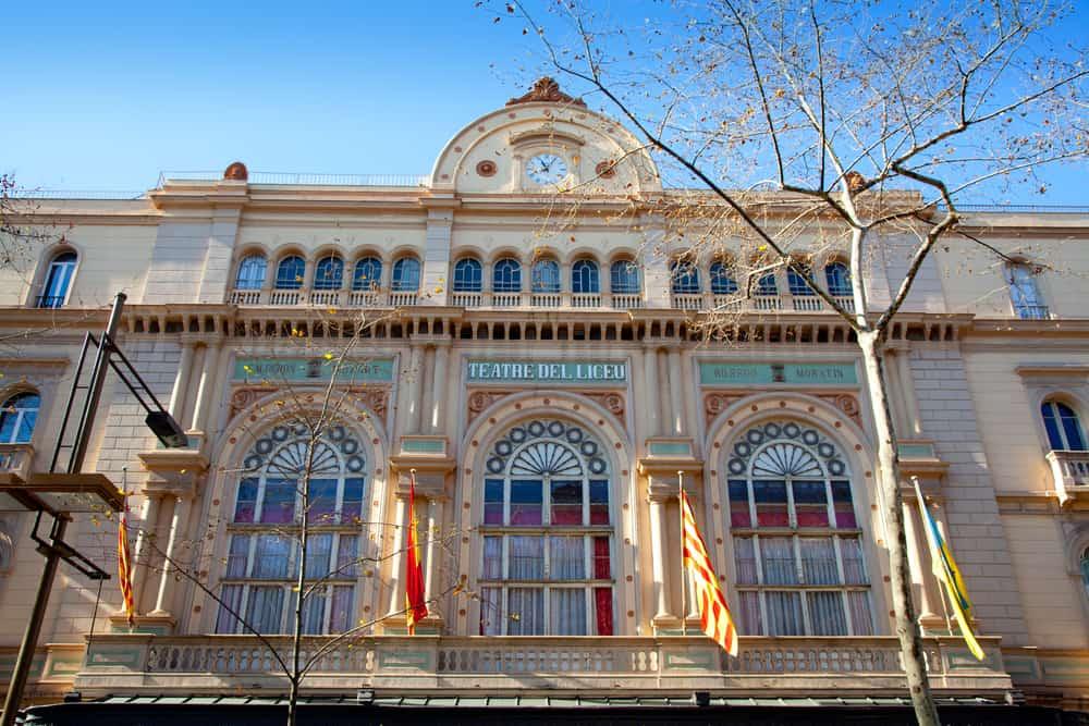 Facaden af Liceu teatret i Barcelona.