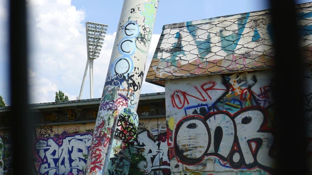 Friedrich-Ludwig-Jahn-Sportpark - Mauerpark