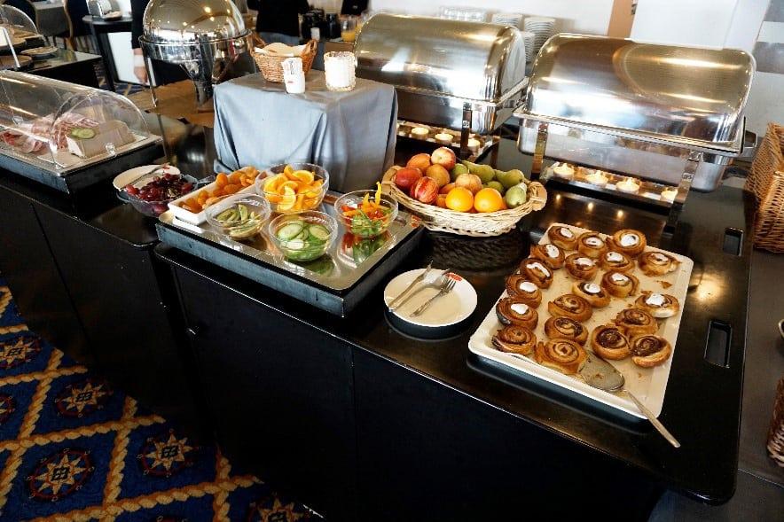 Morgenbuffet på Hotel Marina