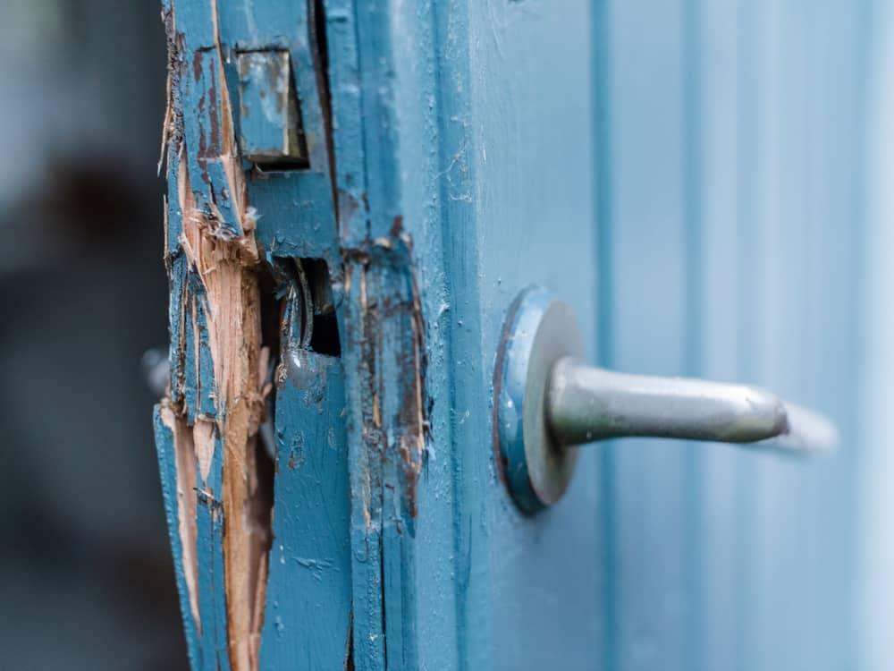 Ødelagt lås i dør