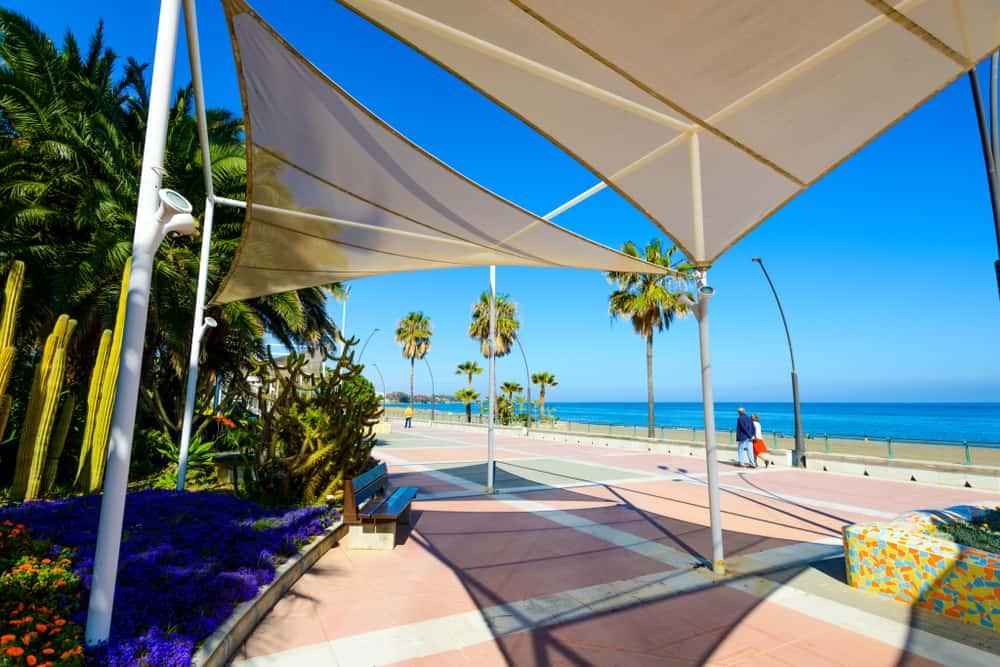 La Rada stranden i Estepona i Spanien
